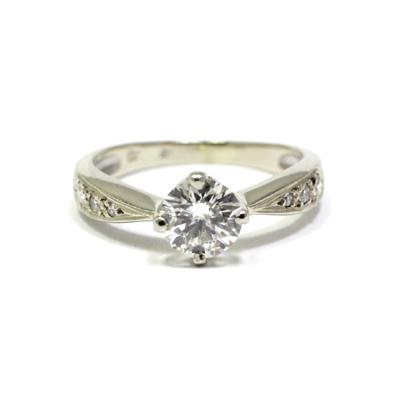 2e5553dbf Sok köves fehérarany kerek gyémánt eljegyzési gyűrű   SMD